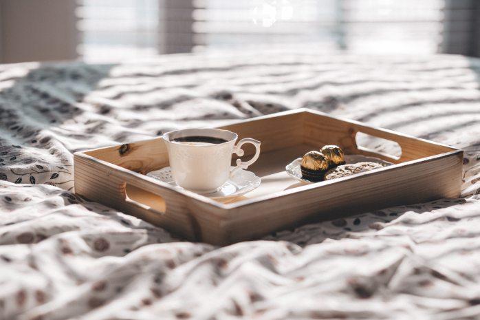 breakfast in bed pamper gift ideas valentines day girlfriend